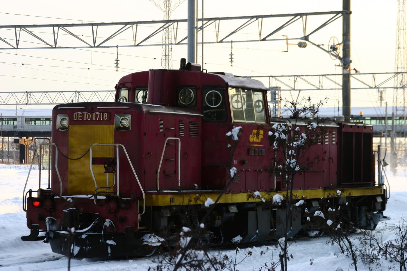 Jr111230008